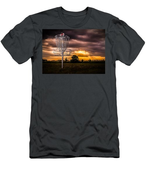 Disc Golf Anyone? Men's T-Shirt (Athletic Fit)