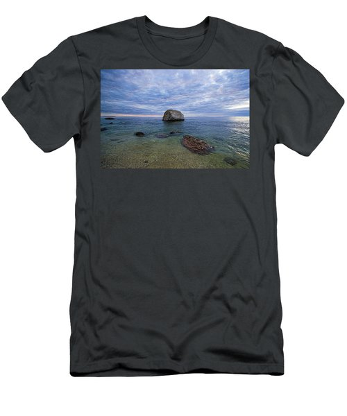 Diving Rock Men's T-Shirt (Athletic Fit)