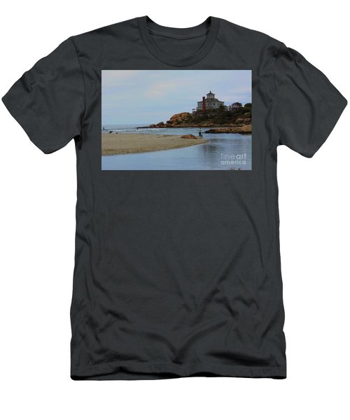 Dogs And Surf Men's T-Shirt (Athletic Fit)