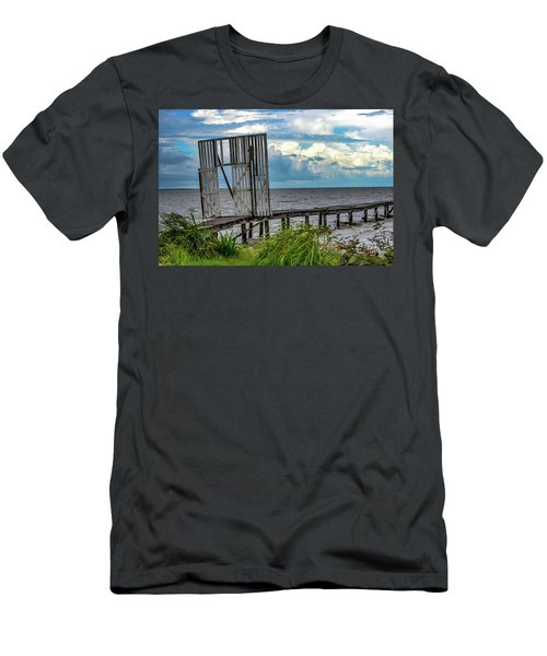 Door To Dock Men's T-Shirt (Athletic Fit)