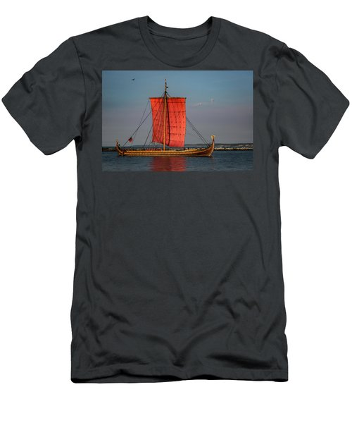 Draken Harald Harfagre Men's T-Shirt (Athletic Fit)