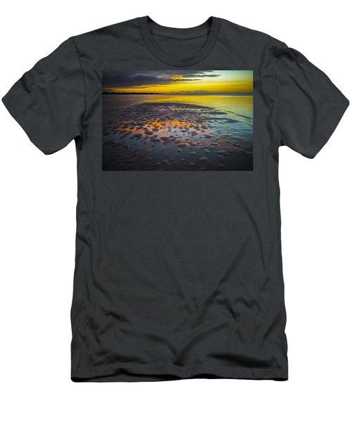 Dusk On Cayo Coco Men's T-Shirt (Slim Fit) by Valerie Rosen