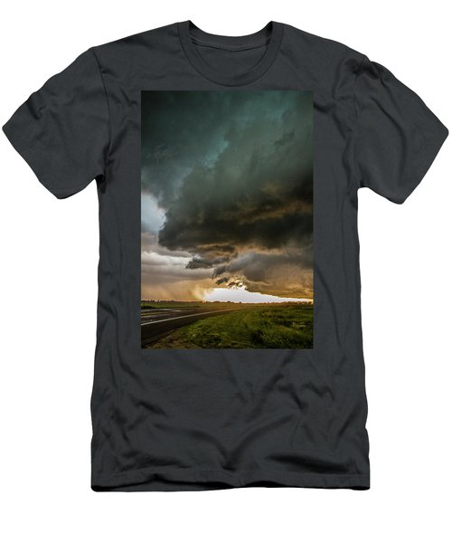 Eastern Nebraska Moderate Risk Chase Day Part 2 010 Men's T-Shirt (Athletic Fit)