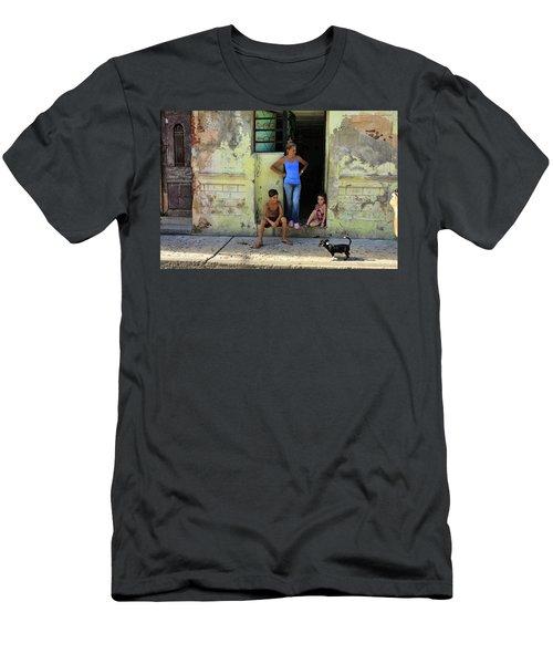 El Familia Men's T-Shirt (Athletic Fit)