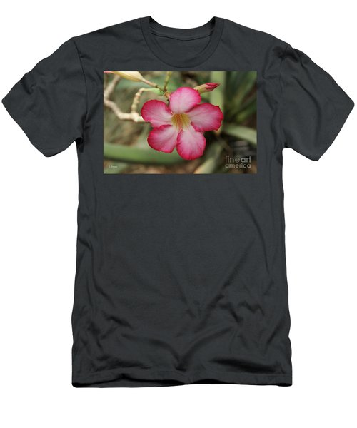 Elegant Men's T-Shirt (Athletic Fit)