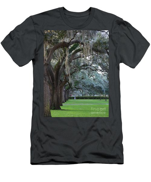 Emmet Park In Savannah Men's T-Shirt (Athletic Fit)