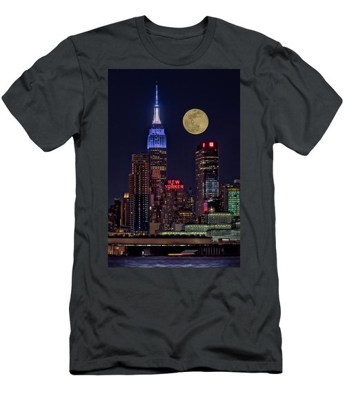 Empire State Esb Super Moon Nyc Men's T-Shirt (Athletic Fit)