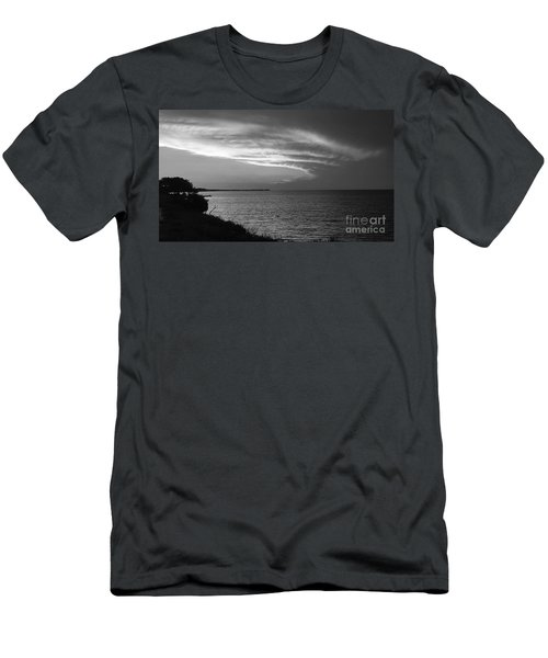Ending The Day On Mobile Bay Men's T-Shirt (Athletic Fit)