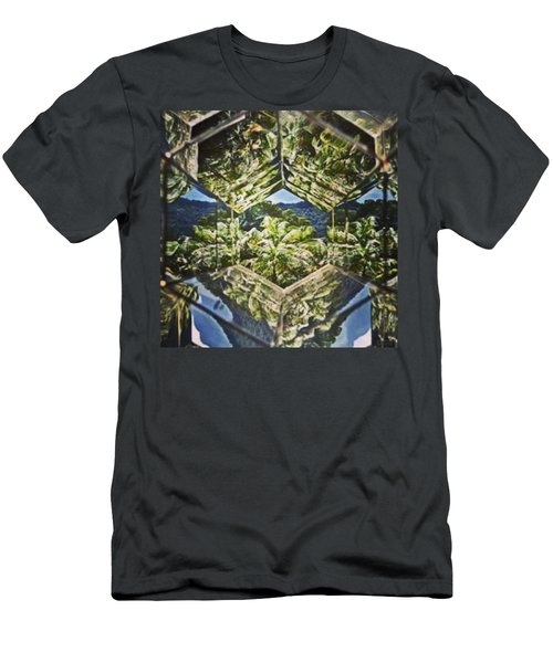 Exuberante Mata De #brumadinho Mg Vista Men's T-Shirt (Athletic Fit)