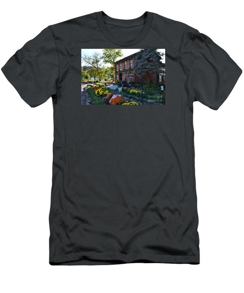 Fall At Lanier Winery In Madison  Men's T-Shirt (Athletic Fit)