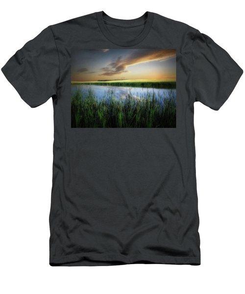 Farm Pond Men's T-Shirt (Athletic Fit)