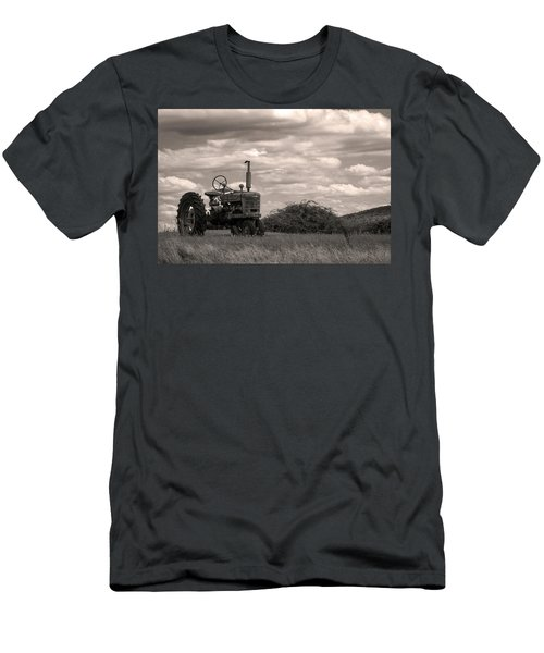 Farmall Men's T-Shirt (Athletic Fit)