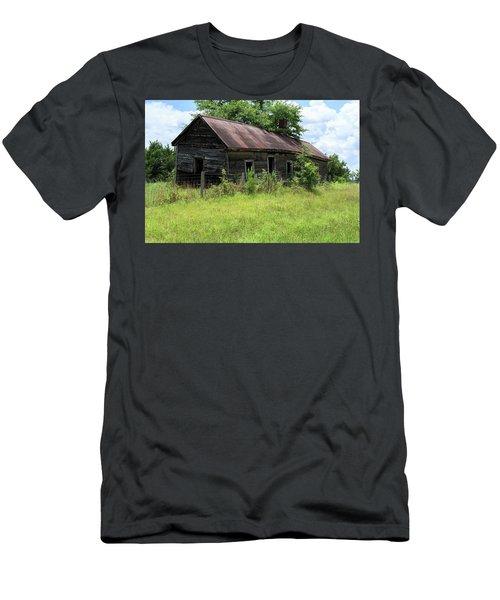Farmhouse Abandoned Men's T-Shirt (Athletic Fit)