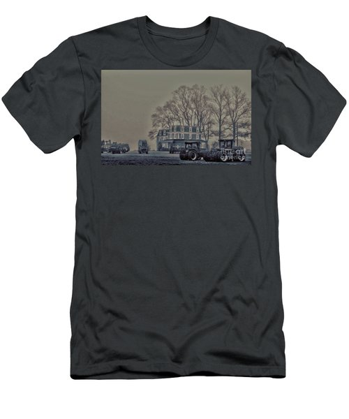 Men's T-Shirt (Slim Fit) featuring the photograph Farmhouse In Morning Fog by Sandy Moulder