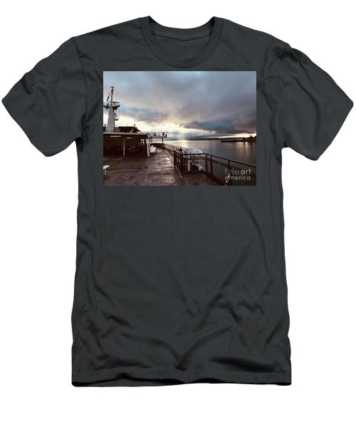 Ferry Morning Men's T-Shirt (Athletic Fit)