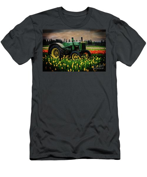 Field Master Men's T-Shirt (Athletic Fit)