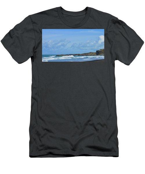 Fishing At Kare Kare Men's T-Shirt (Athletic Fit)