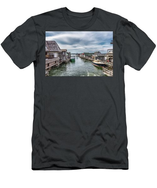 Fishtown Michigan In Leland Men's T-Shirt (Athletic Fit)