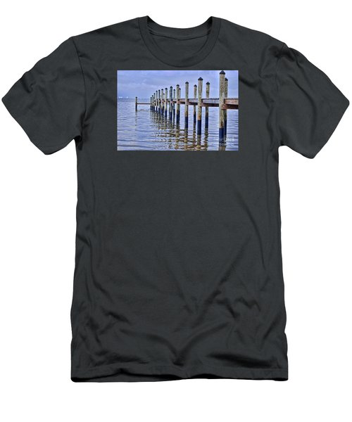 Floridian Pier  Men's T-Shirt (Athletic Fit)