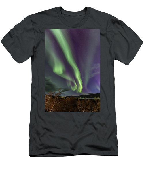 Flowing Aurora Men's T-Shirt (Athletic Fit)