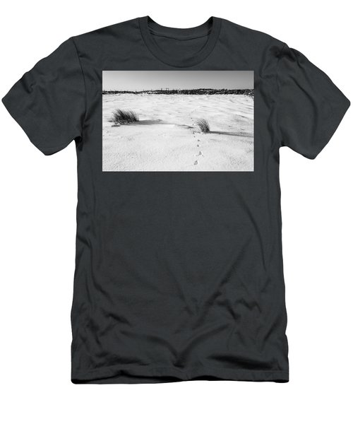 Footprints In The Snow I Men's T-Shirt (Athletic Fit)