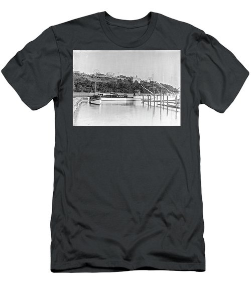 Fort George Amusement Park Men's T-Shirt (Athletic Fit)