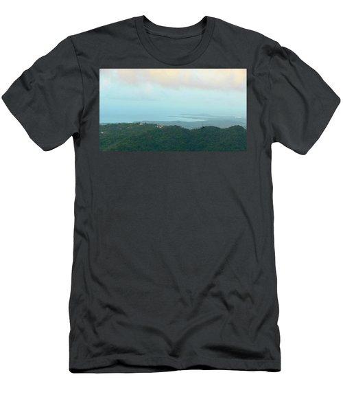 Foto Desde El Yunque Rain Forest Men's T-Shirt (Athletic Fit)
