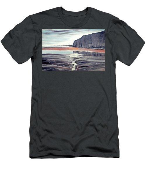 From Dane's Dyke Towards Bridlington Men's T-Shirt (Athletic Fit)