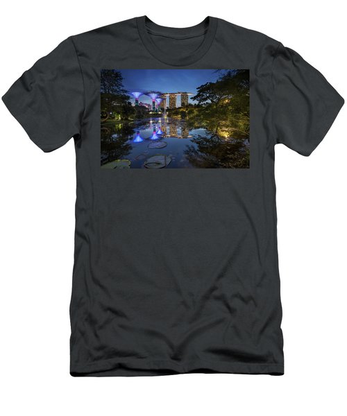 Garden By The Bay, Singapore Men's T-Shirt (Athletic Fit)