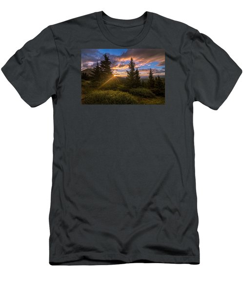 Georgia Pass Sun Rays Men's T-Shirt (Athletic Fit)