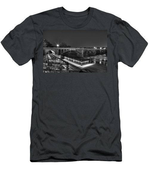 Gervais Street B-w Men's T-Shirt (Athletic Fit)