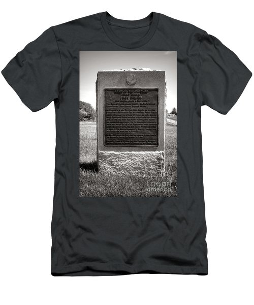 Gettysburg National Park Army Of The Potomac First Division Monument Men's T-Shirt (Athletic Fit)