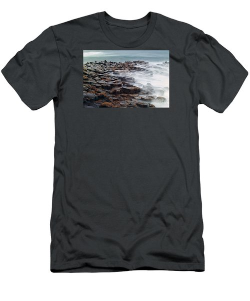 Giants Causeway Men's T-Shirt (Athletic Fit)