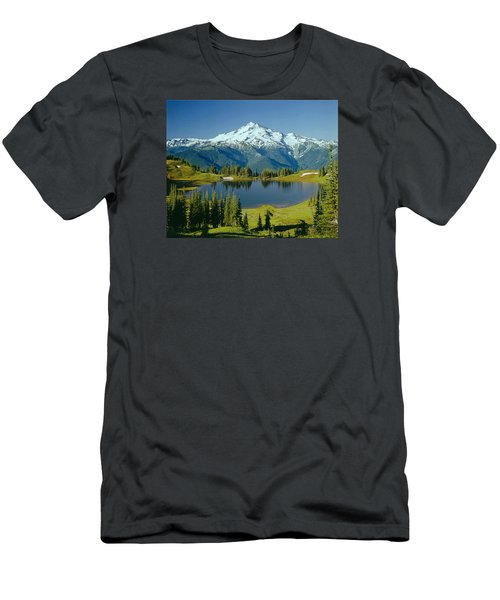 1m4422-glacier Peak, Wa  Men's T-Shirt (Athletic Fit)
