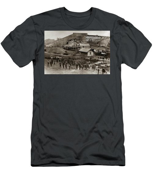 Glen Lyon Pa Susquehanna Coal Co Breaker Late 1800s Men's T-Shirt (Athletic Fit)