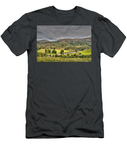 Glen Lyon Scotland Men's T-Shirt (Athletic Fit)