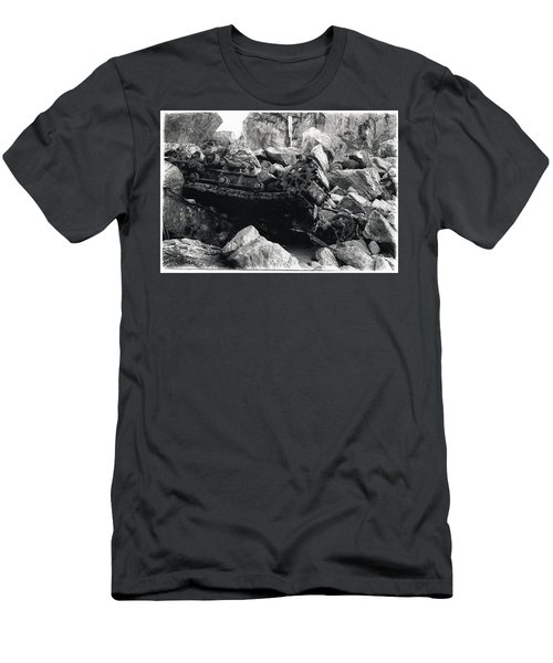 Goat Rock Tractor Jenner California Men's T-Shirt (Athletic Fit)