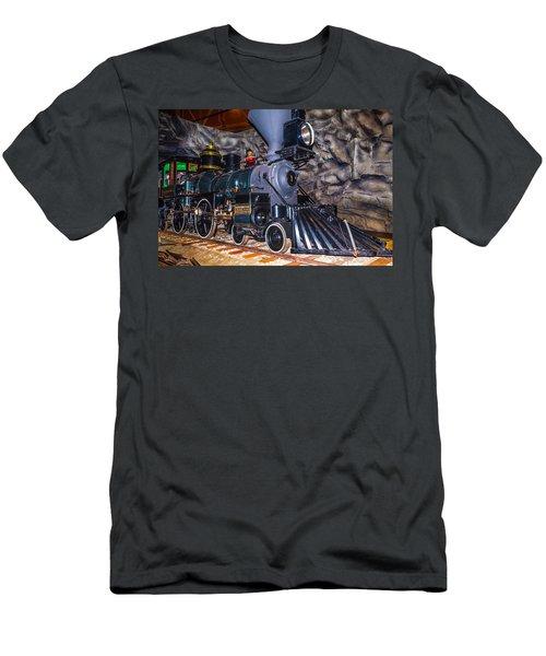 Gov Stanford Train Men's T-Shirt (Athletic Fit)