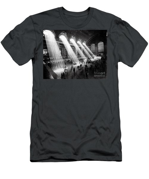 Grand Central Station New York City Men's T-Shirt (Athletic Fit)