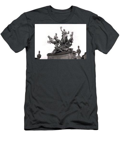Grand Palais Quadriga Men's T-Shirt (Athletic Fit)