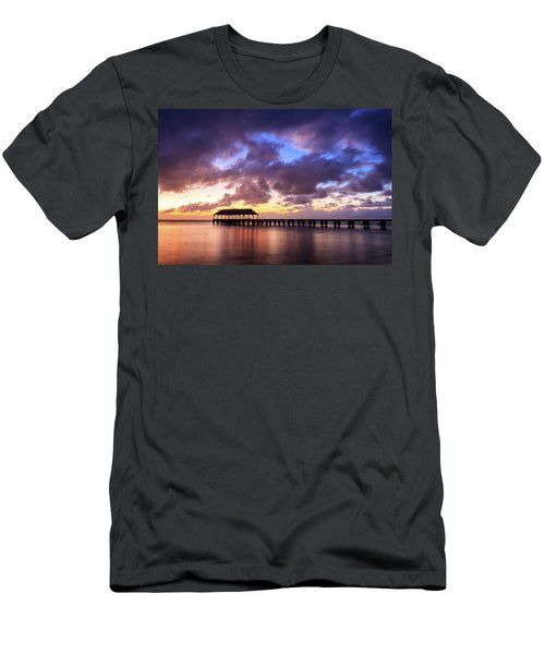 Hanalei Pier Men's T-Shirt (Athletic Fit)