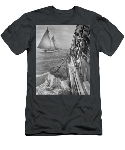 Haul Up The Oysters Men's T-Shirt (Athletic Fit)
