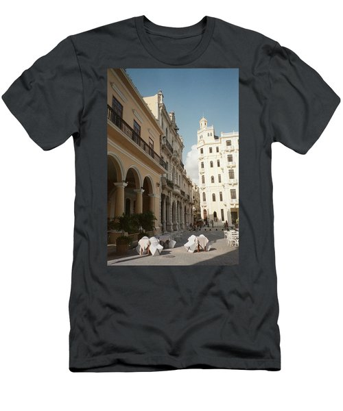 Havana Vieja Men's T-Shirt (Athletic Fit)