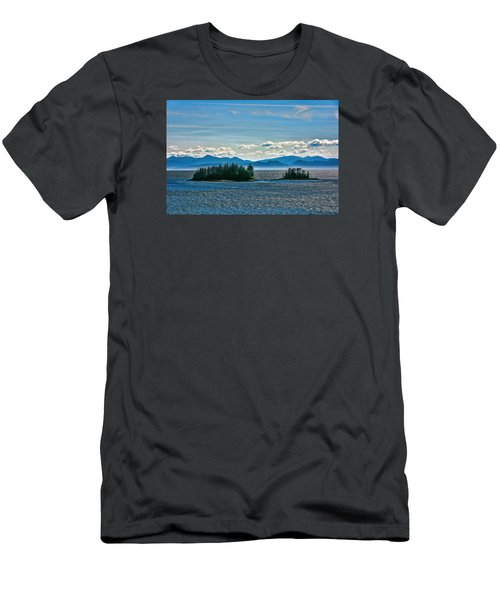 Hazy Alaskan Morning Men's T-Shirt (Athletic Fit)
