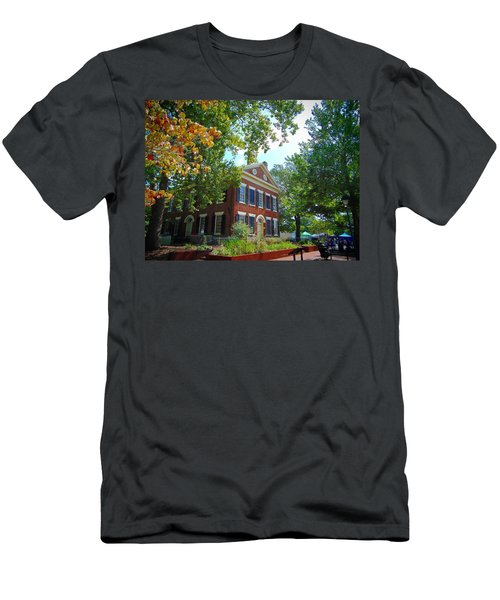 Historic Dahlonega Georgia Courthouse Men's T-Shirt (Athletic Fit)