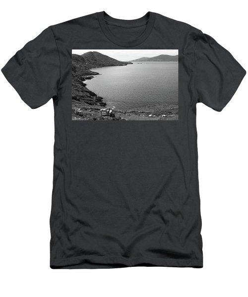 Horseshoe Coast Men's T-Shirt (Athletic Fit)