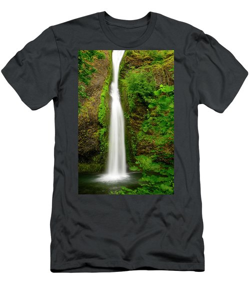 Horsetail Falls, Columbia River Gorge Men's T-Shirt (Athletic Fit)