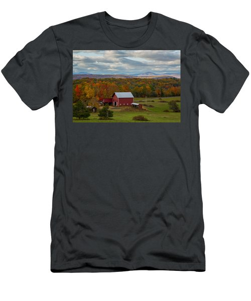 Hudson Valley Ny Fall Colors Men's T-Shirt (Athletic Fit)