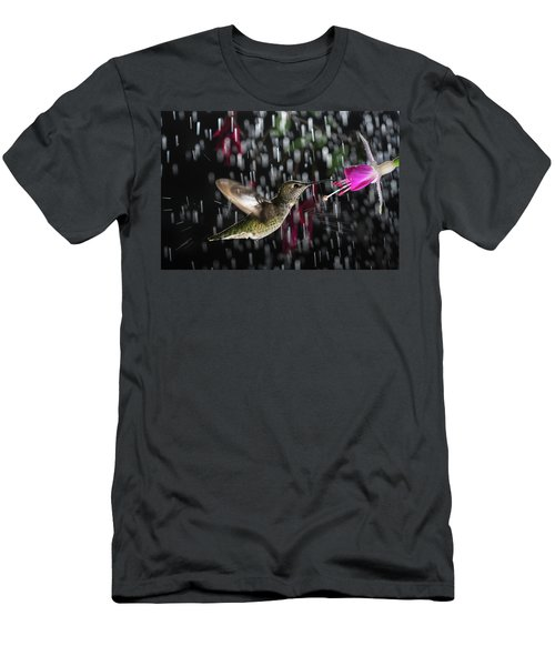 Hummingbird Hovering In Rain With Splash Men's T-Shirt (Athletic Fit)