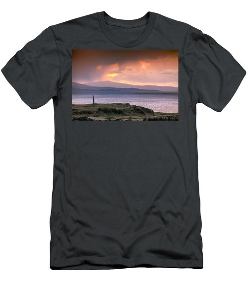 Hutcheson's Monument On The Isle Of Kerrera At Sunset Men's T-Shirt (Athletic Fit)